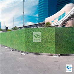 Boxwood Construction Screen