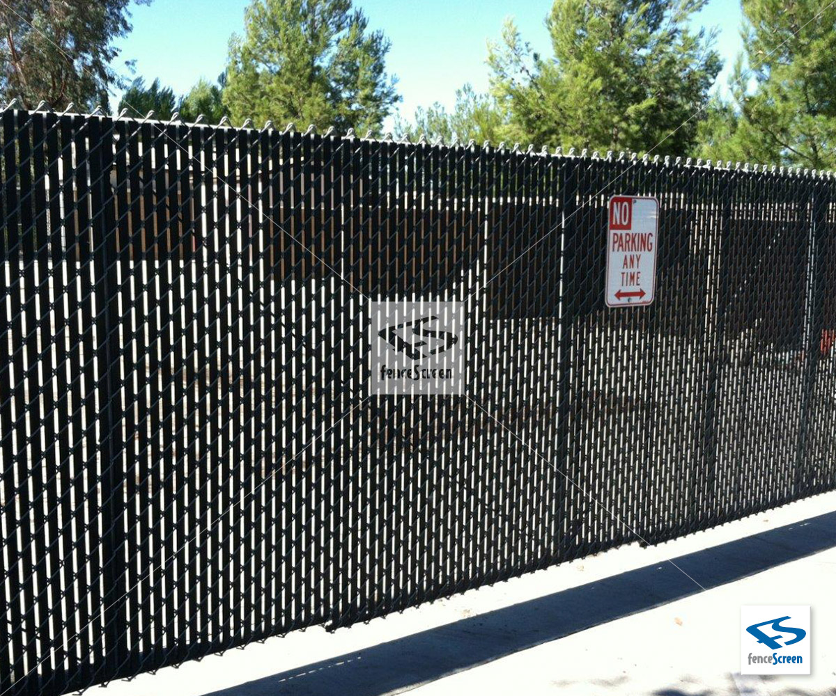 W Slat With Bottom Lock For Chain Link Fences